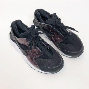 Nike Shoes   Nike Huarache Black